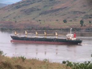 Un navire sur bief marime congolais/Infobascongo