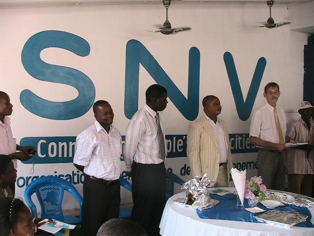 staff dirigeant de SNV Bas-Congo/infobascongo