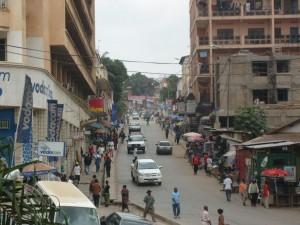 une avenue du centre commercial de Matadi/infobascongo