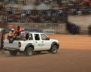Evacuation par pick-up de G.Mbiaya