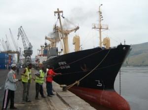 Matadi,un bateau à quai/infobascongo