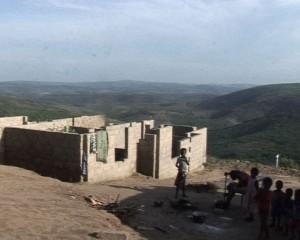 une constructtion anarchique à Kasangulu/Infobascongo