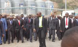 Le Premier Ministre visite le Port