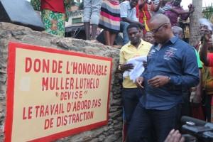 Inauguration du pont jeté par l'honorable Luthelo à Nzinga Lutete à Matadi/Infobascongo