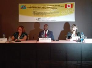 De gauche à droite,Ginette Martin,ambassadeure du Canada en Rdc;Eugène Serufuli,ministre des Affaires sociales et Danielle Valiquette,directrice programme Afrique subsaharienne de l'IBCR/Infobascongo