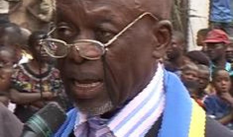Matadi : Le bourgmestre de Nzanza absent aux audiences accordées par le Gouverneur à la commune parce que suspendu pour détournement