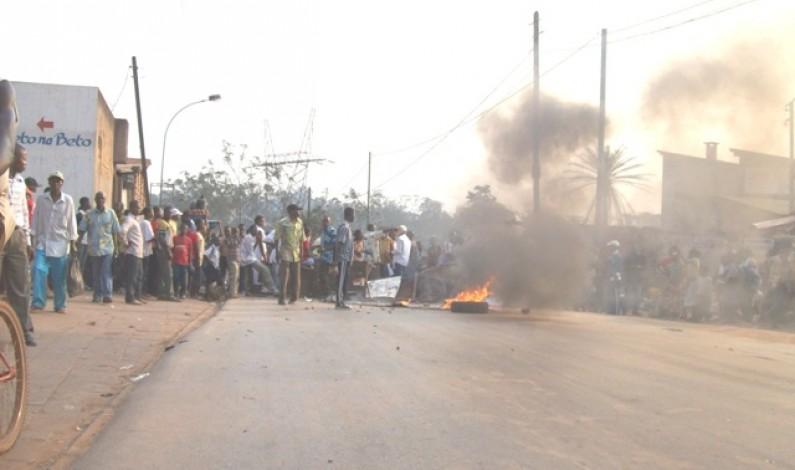 Mbanza-Ngungu : Le trafic des véhicules sur la nationale n° 1 interrompu par les étudiants du CIDEP