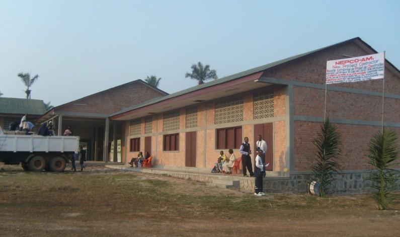 Kasangulu : Alors que deux nouvelles écoles s'ajoutent plusieurs autres ont besoin d'être modernisées.