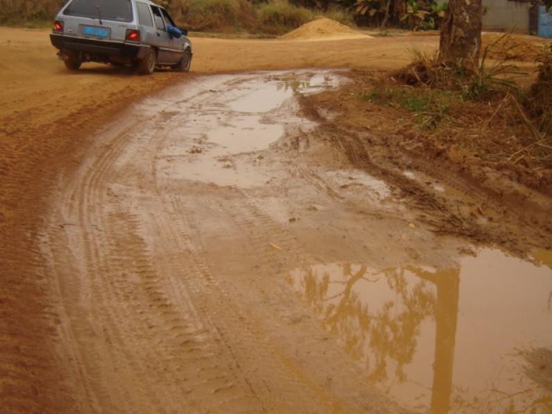 Boma-Muanda : La pluie stoppe le trafic routier