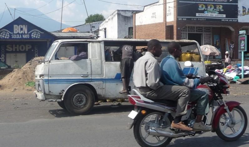 Matadi : les taxis- motos  à l'école du Code de la route