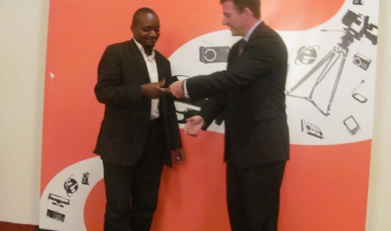 Bas-Congo : c'est le tour du gouverneur de féliciter www .Infobascongo