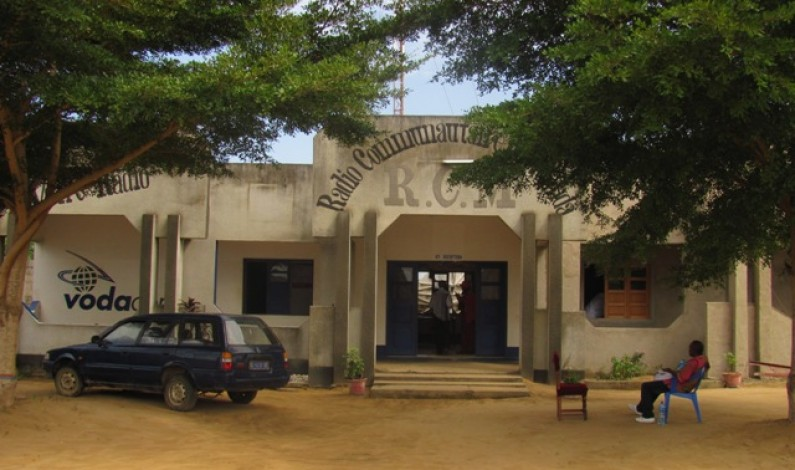 Interview : La radio communautaire de Muanda,''petit poisson devenu grand''
