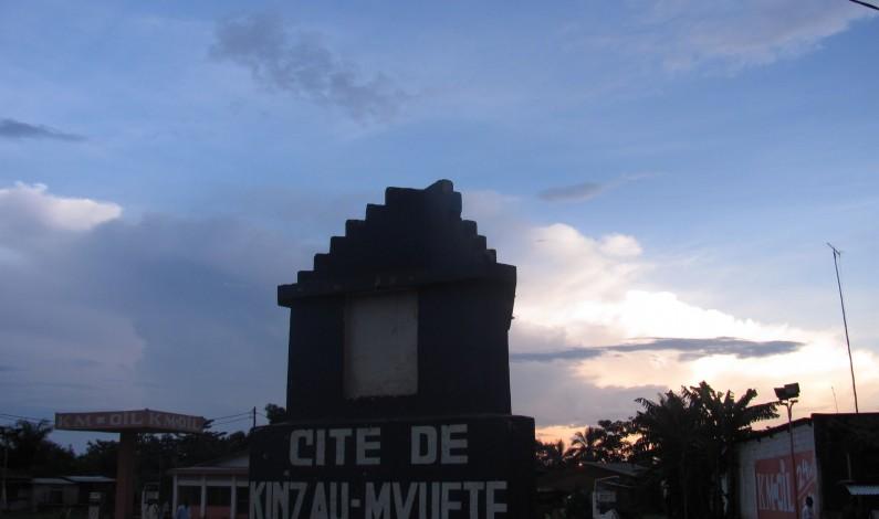 Des habitants de Kinzau-Mvuete pour un procès public sur l'affaire des jumeaux brûlés