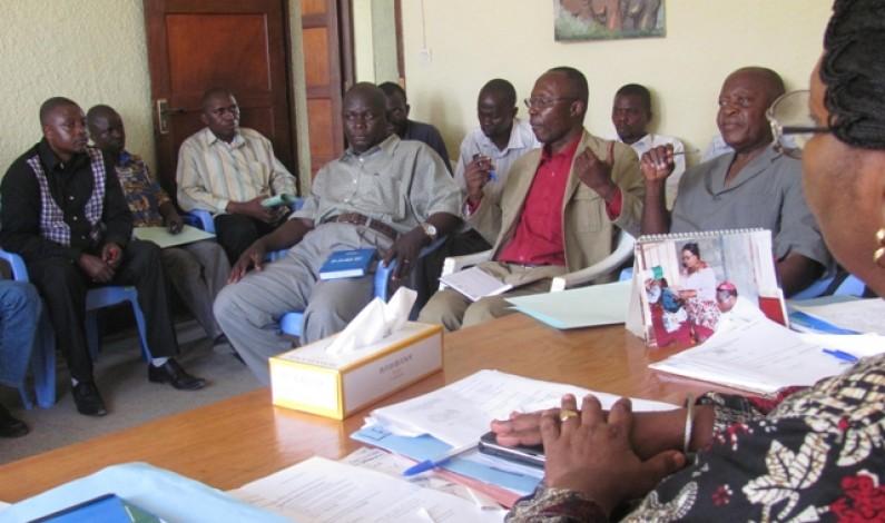 Matadi : les journaliers de la Régie de distribution d'eau libèrent le parvis de la société