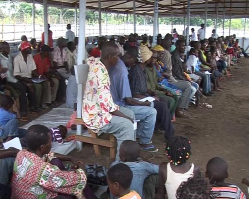 Bas-Congo : rassurés, les derniers réfugiés angolais rentrent chez eux