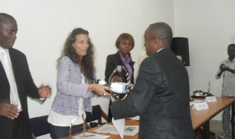 Le prix Journaliste pour les droits humains  honore le journaliste Nekwa Makwala du Bas-Congo