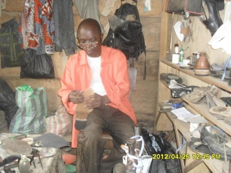 Matadi : Richard Muinza, un cordonnier professionnel et fier de l'être