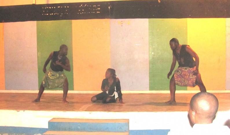 Matadi : l'Afrique déchirée en théâtre