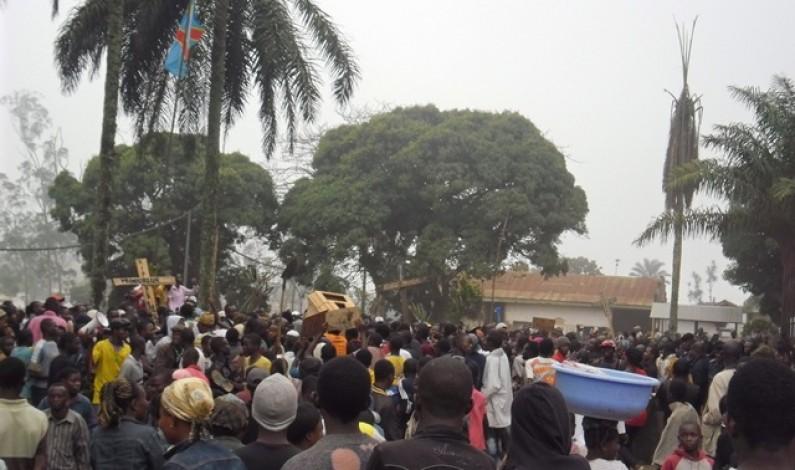 Marche contre le procureur des Cataractes : les magistrats évoquent une haine pour les non originaires