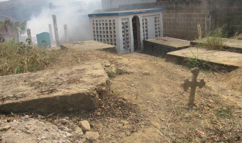 Bas-Congo : non clôturé, le cimetière de Kinkanda continue d'être profané