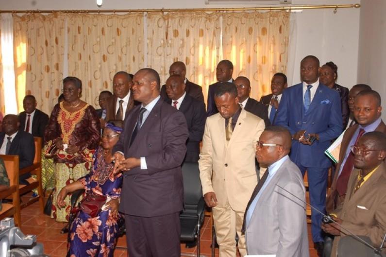 Kongo central : remaniement : de dix ministres, il en reste six