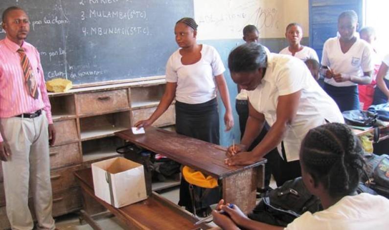Rd Congo : des élèves à l'école de la démocratie