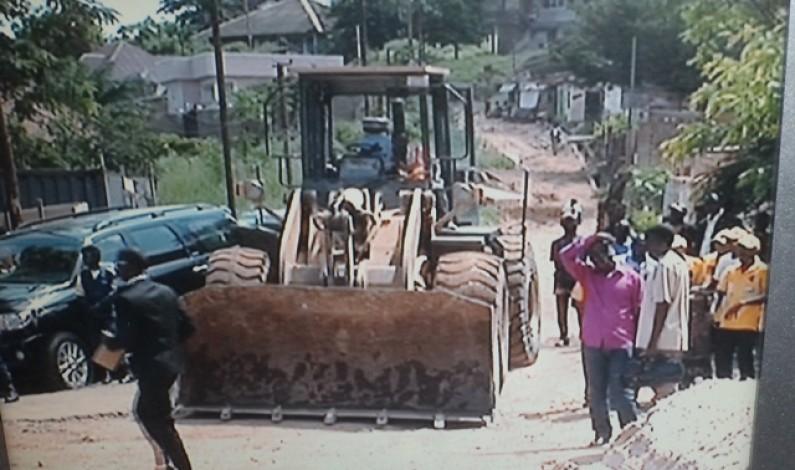 Matadi : les habitants heureux des travaux d'asphaltage de la route ceinture Tsasa di Tumba