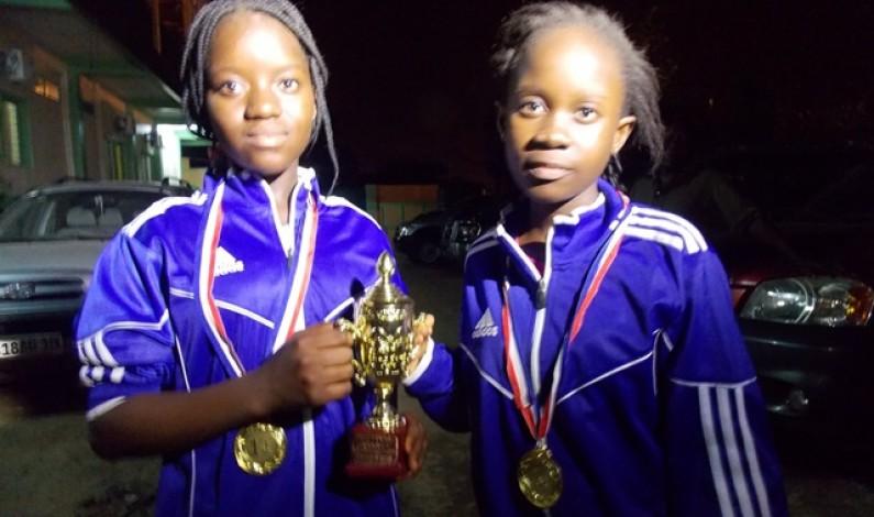 Honneur à deux  écolières du Bas-Congo championnes du festival Unyanga à Lubumbashi