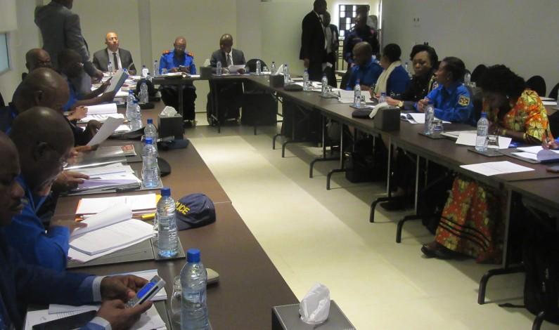 Kinshasa:un guide opérationnel devant régir les escadrons de protection de l'enfant et prévention de violences sexuelles sous examen