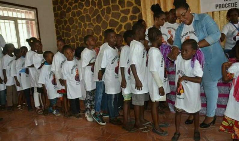 Kinshasa : environ 2 000 kits scolaires distribués par la Fondation Ngudianza dans le district du Mont Amba
