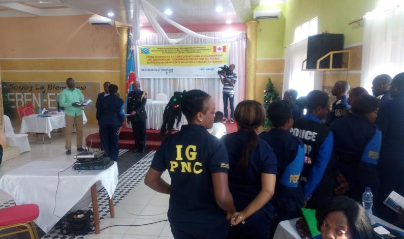 Mise à disposition de la police du Kongo central du guide opérationnel d'encadrement des interventions en matière de protection de l'enfant en RDC par L'IBCR : « Allez et faites de vos collègues des disciples de ce guide »