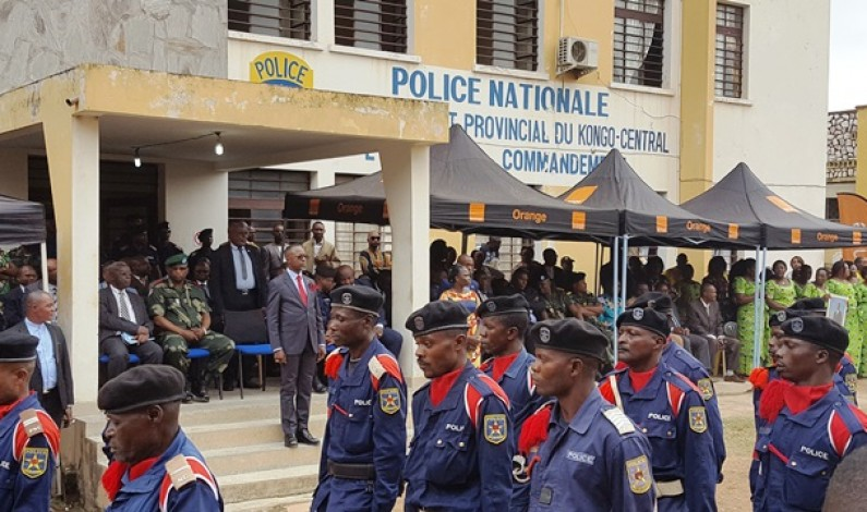 Kongo central : Atou Matubuana , gouverneur intérimaire du kongo central présenté aux unités de la police