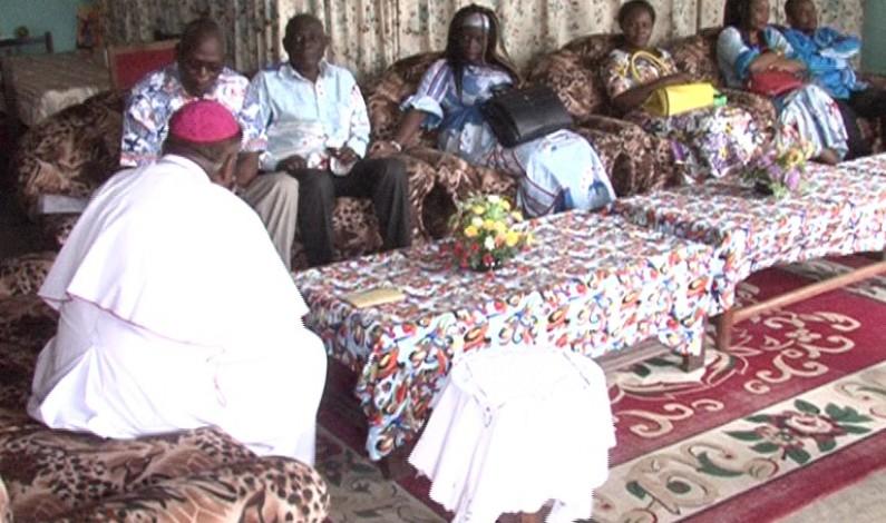 Kongo central: l'Evêque de Matadi signe un décret autorisant la communauté famille chrétienne à œuvrer