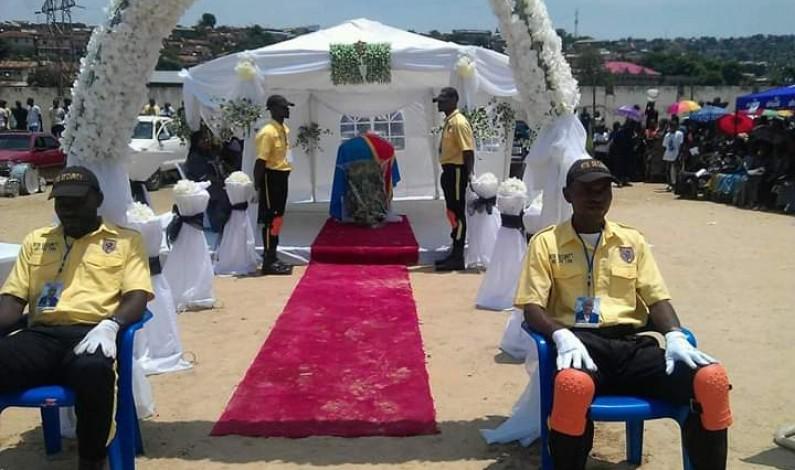 Funérailles de Léonard Fuka Unzola:la tribune des pamphlets des politiciens du Kongo central