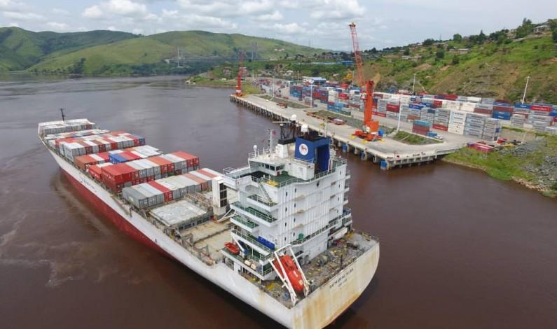 Matadi: le plus gros navire de l'histoire du transport maritime de la RDC accoste au port MGT