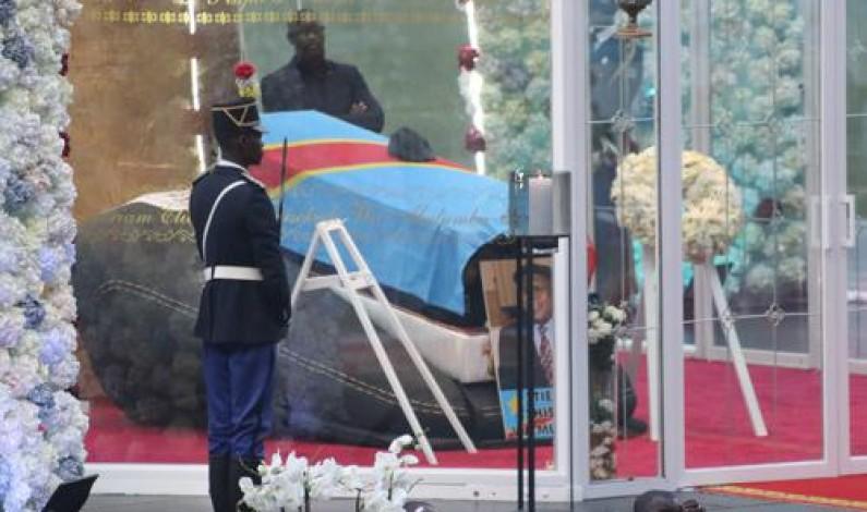 Obsèques de Tshisekedi:l'oraison funèbre de Jean-Marc Kabund interrompue par la «base»