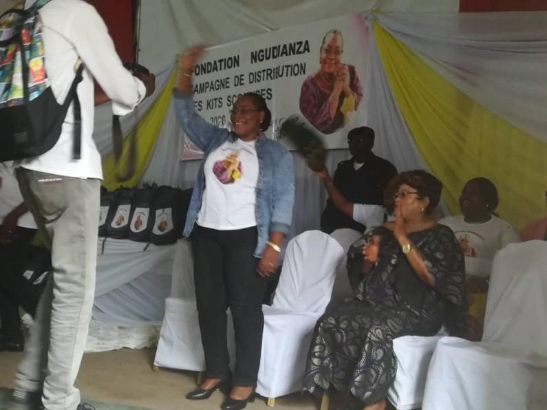 Kongo central: la fondation Ngudianza lance sa campagne de distribution de kits scolaires