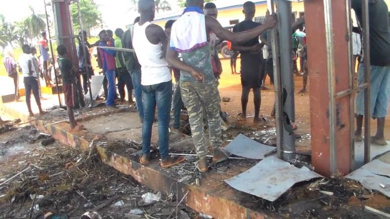 Kongo central: le poste de péage de Nsanda saccagé