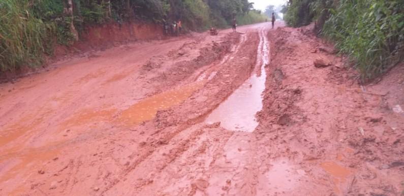 Kongo central: le député Crispin Mbadu plaide pour la réhabilitation de la route Manterne-Tshela, enfer des chauffeurs