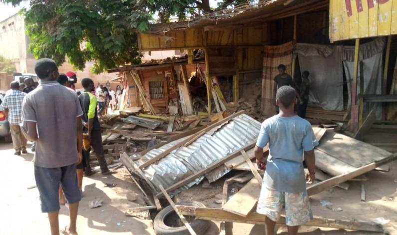 Coronavirus : la mairie de  Matadi fait le ménage devant la morgue de Kinkanda