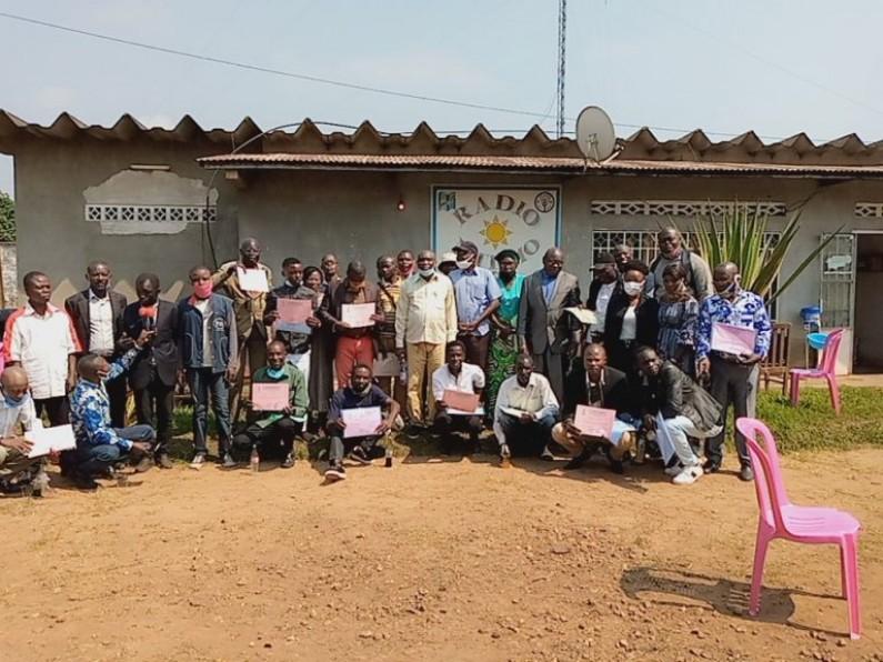Mbanza-Ngungu : bien qu'abandonnée, Ntemo, la première radio rurale en RDC se bat pour la performance de son personnel