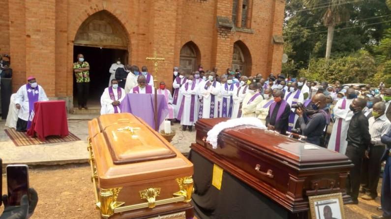 Funérailles des deux prêtres du diocèse de Matadi à Tumba: moments d'intenses déchirements