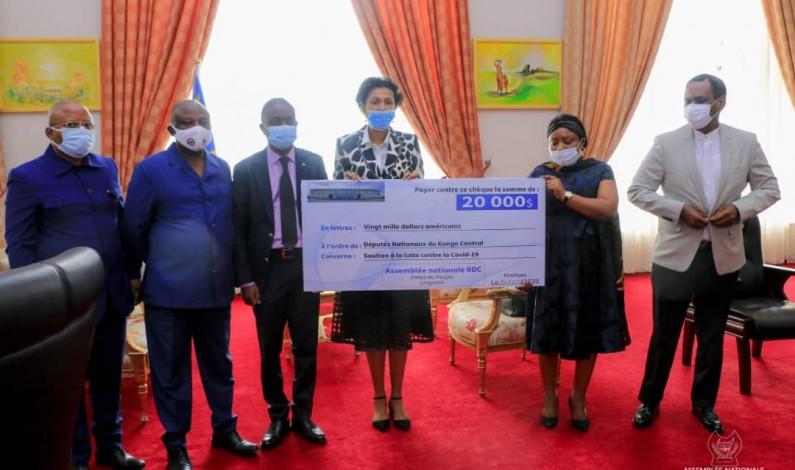 Covid-19: l'Assemblée nationale remet de l'argent aux députés nationaux du Kongo central
