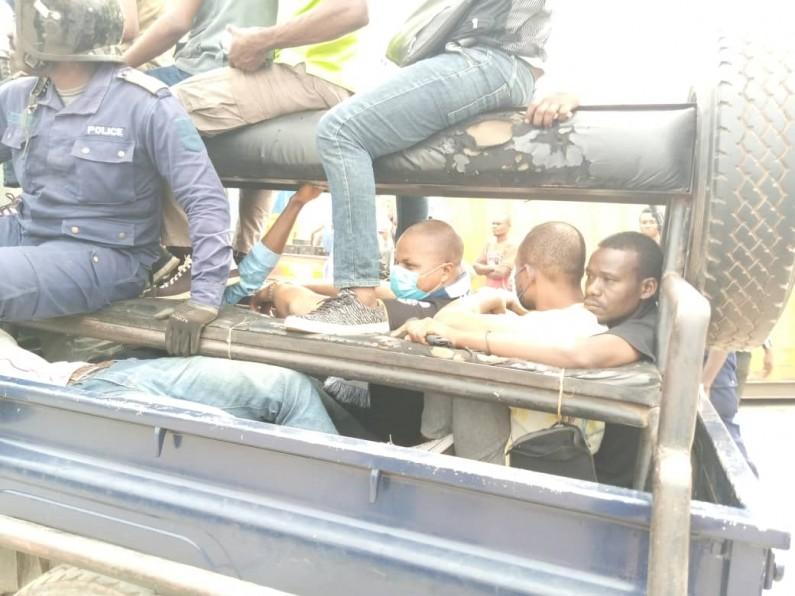 Dérapages des policiers à la marche contre le gouverneur à Matadi