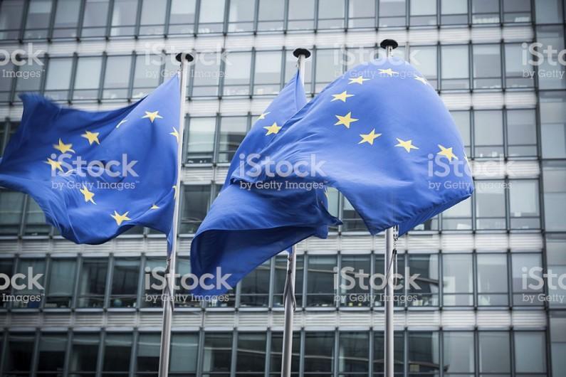 Europe: le relâchement des gestes barrières fait resurgir la Covid-19