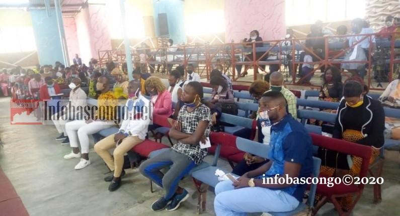Youyous, musique et prières: les églises ont rouvert au Kongo central