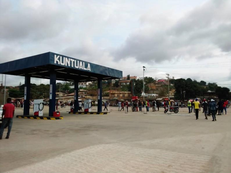 Pourquoi on veut agenouiller la ville(Boma) ? : Question des avocats conseils des travailleurs de ''Kuntuala terminal'' sur la décision de la ministre de l'Economie