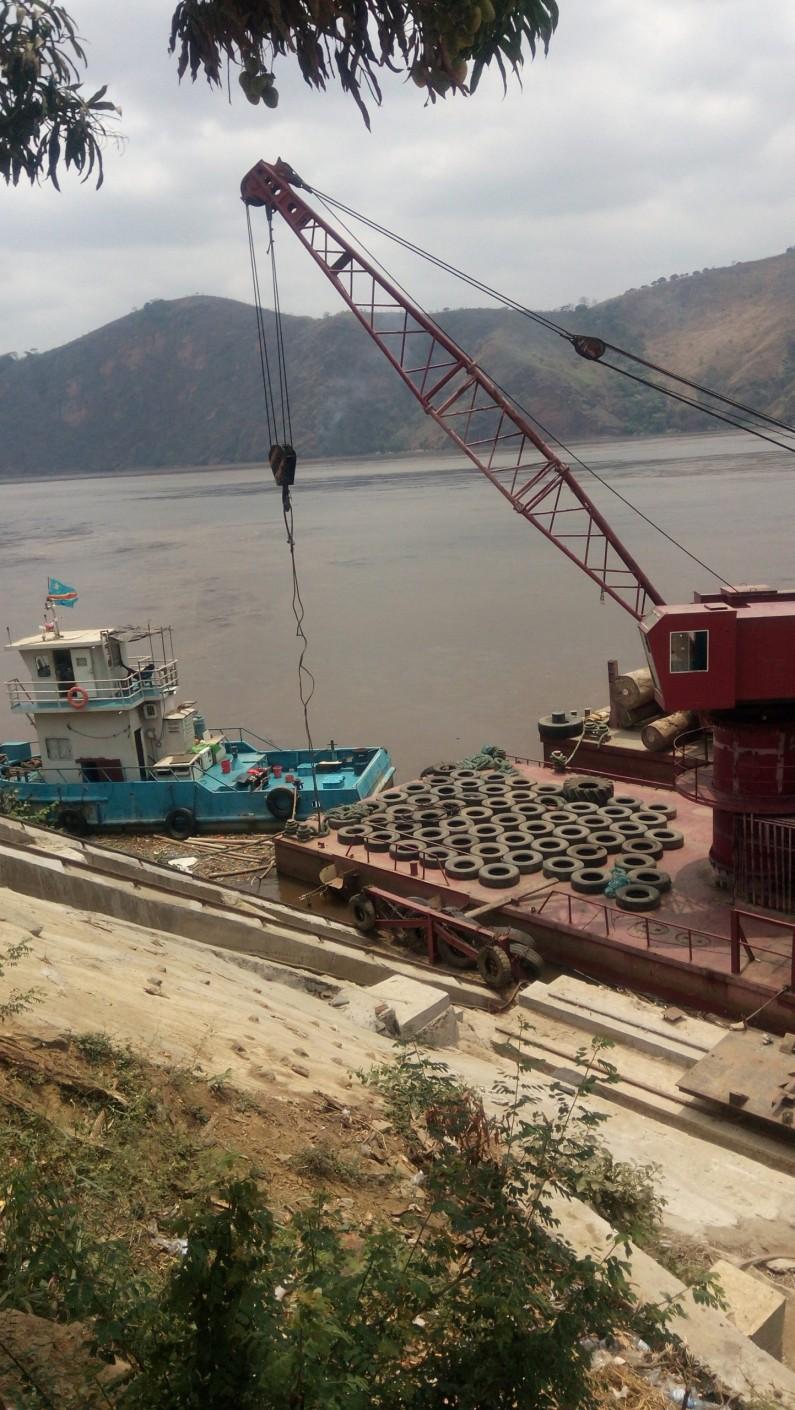 Matadi: deux disparus après une collision entre une pirogue et une barge sur le fleuve Congo