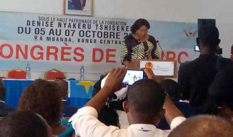 A Moanda, la Première dame Denise Nyakeru interpelle les journalistes congolais