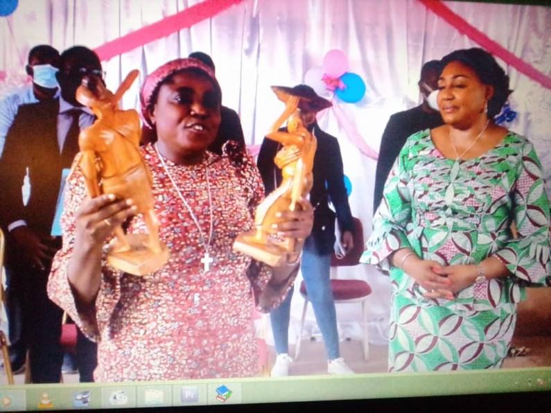 Boma: la Première dame fait des œuvres caritatives en faveur des habitants